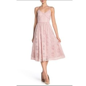 NSR Women'S Pink V-Neck Floral-Lace Sleeveless